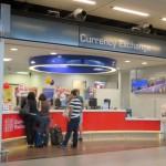 外貨の両替手数料が安いのは?空港や銀行での両替は損ですよ!